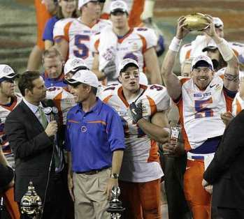 Boise State gets time with the trophy (AP)