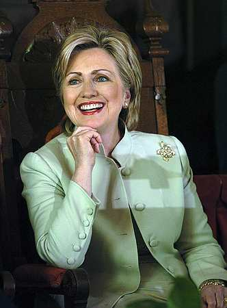 Best Hairstyle In the World: Hillary Clinton Elegant Short Hairstyle